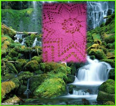 un napperon rose (déco)