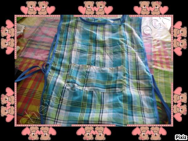 des commandes 2 tabliers écoliers en tissu madras n° 1
