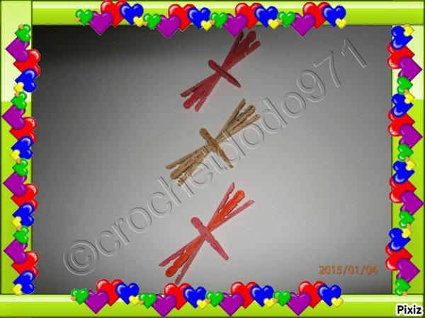3 libellules en pinces a linge en bois
