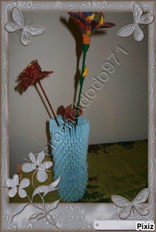 vase a fleur en bleu