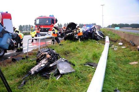 Deux hommes tués dans l'embardée de leur voiture sur l'autoroute à Estaimpuis