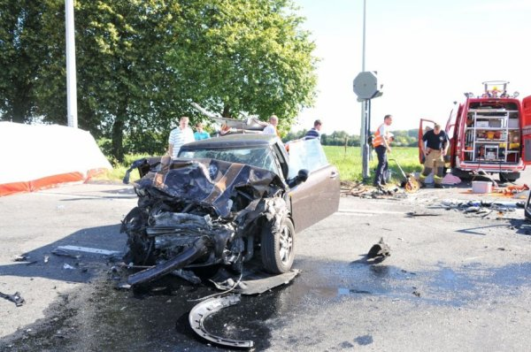 Six blessés dont 2 très graves dans une terrible collision à Rhisnes , Ce samedi 18 août 2012