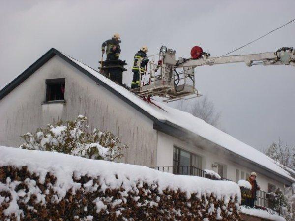 Feu de cheminée et toiture à Saint-Hubert , Dimanche , le 31 Janvier 2010