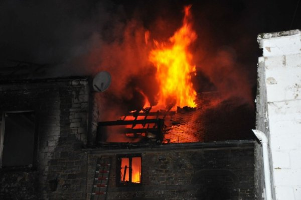 Une habitation complètement détruite à Ermeton-sur-Biert , Vendredi 14 septembre 2012