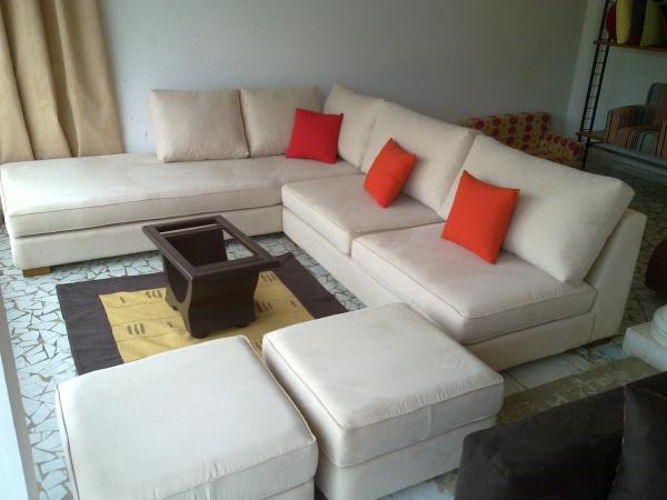 salon d 39 angle 6 places meridienne gauche en chamoisine beige claire sans accoudoir avec deux. Black Bedroom Furniture Sets. Home Design Ideas
