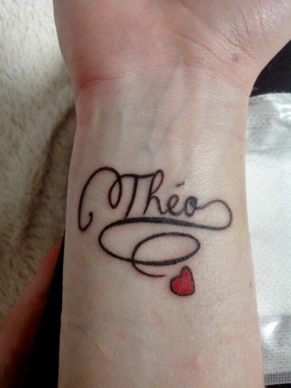 Voila tatoo de fait trop contente