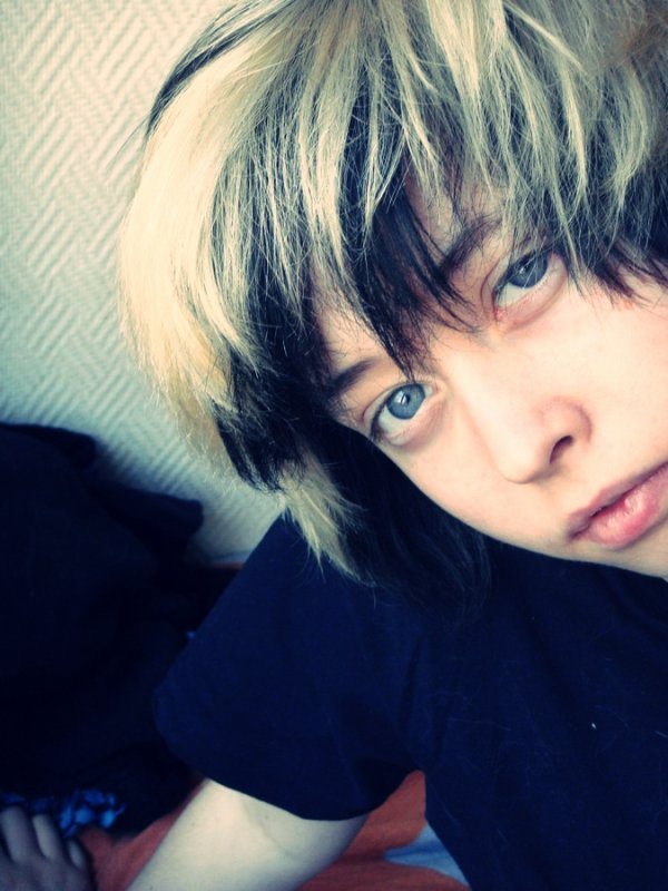 Behind Blue Eyes   ♫