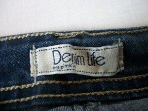 Il est neuf mon jean, il est frais et à la mode !