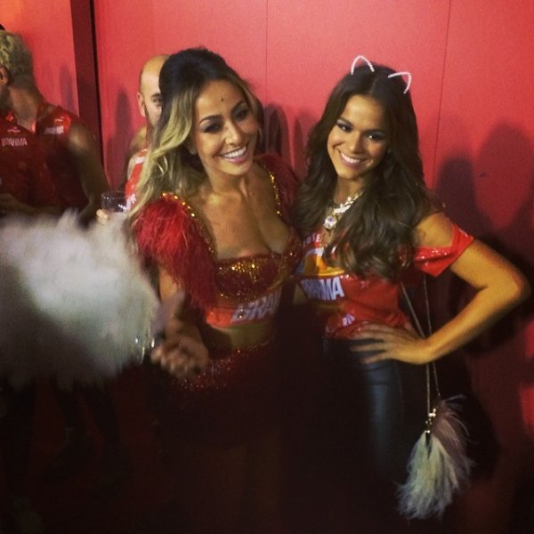Bruna Marquezine au Carnaval 2014 !!!