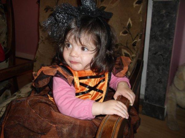 ma petite fille en sorciere