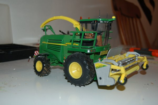 John Deere 7500 et pick up 645 B ....