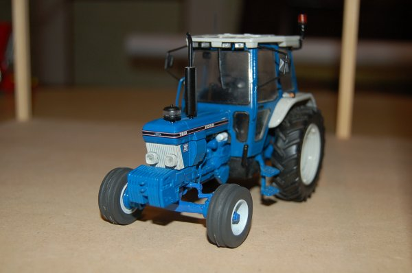 Ford 7810 ...