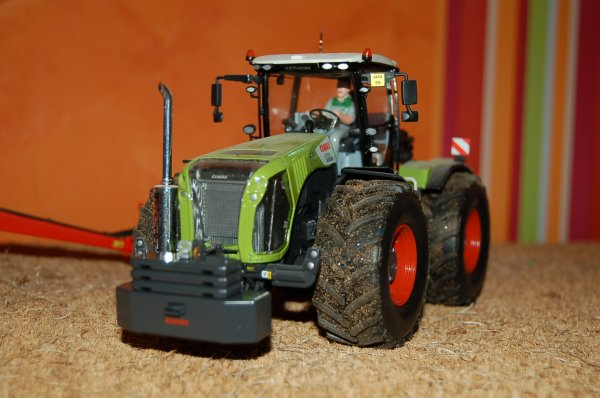 CLAAS Xérion 5000 ...