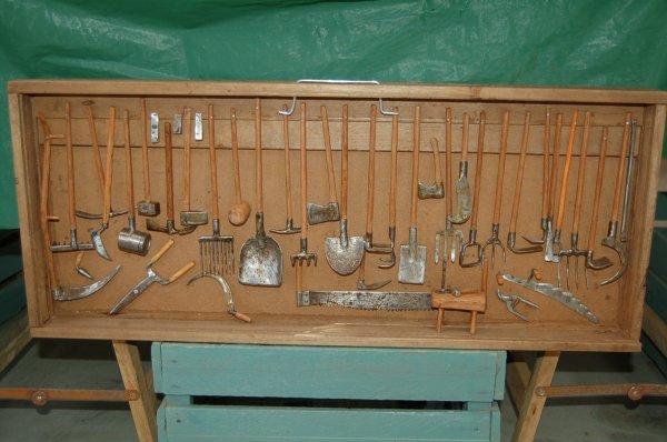 Quelques vieilles mécaniques .... en miniature !!!