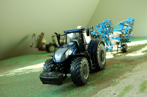 New Holland T 7-315 ...