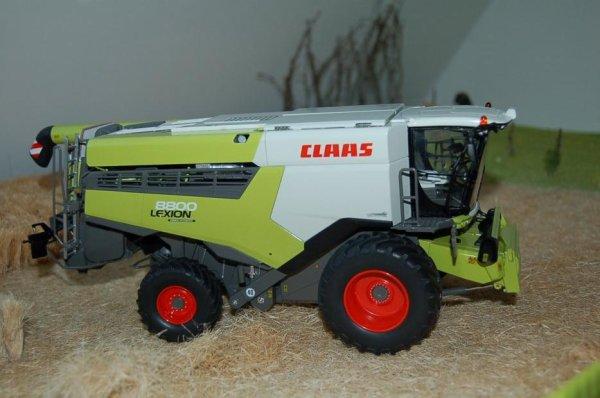 Claas Lexion 8800