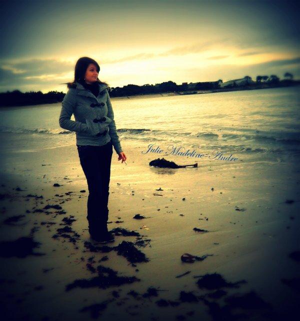 Vis au présent, n'attend rien de l'avenir et oublie le passé en gardant les meilleures souvenirs..