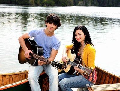 Demi Lovato & Joe Jonas ! :)