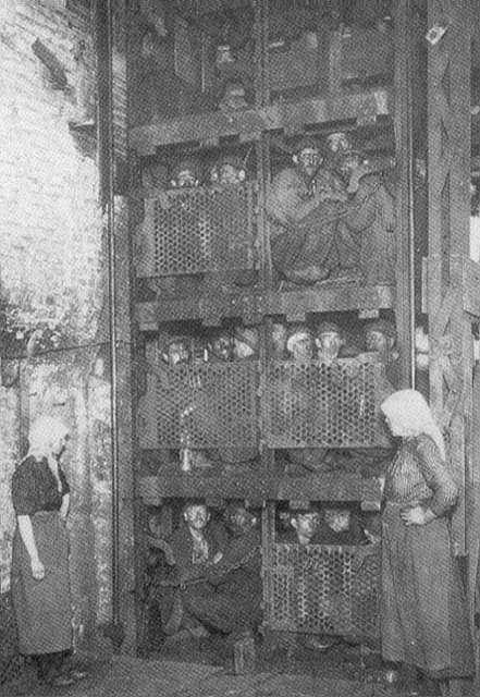 les mineurs dans la cage