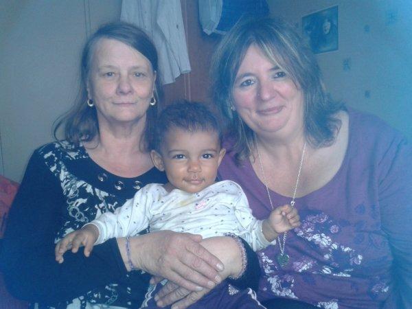 Ma femme sa Mère et sa petite fille Lola