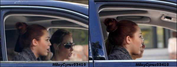 Miley et sa mère se sont rendues dans un studio à Los Angeles Lundi  7 mars 2011