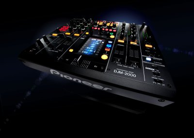 new table de mixage djm 2000 :) (8)