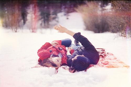 """* """"Nous sommes tous à la recherche de cette personne unique qui nous apportera ce qui nous manque dans notre vie. Et si on ne parvient pas à la trouver on n'a plus qu'a prier pour que ce soit elle qui nous trouve.."""" - Desperate  Housewifes. *"""