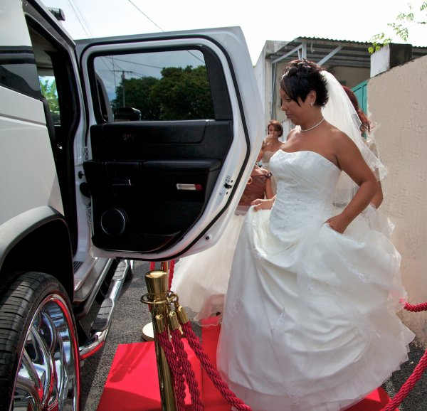 Location voiture mariage reunion     contact  0692 54 93 58