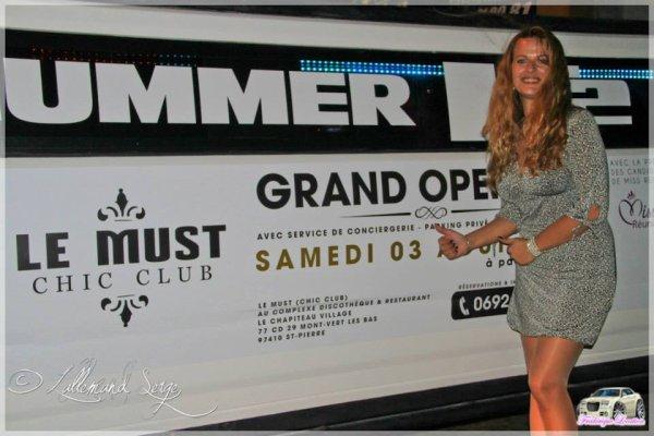 hummer limousine avec MISS REUNION LOCATION VOITURE MARIAGE REUNION 0692 54 93 58