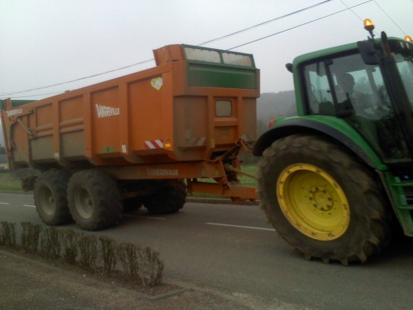 le tracteur que jai prie en photo