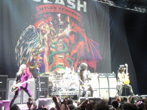 Slash .... une belle entrèe en matière avant Motley Crùe