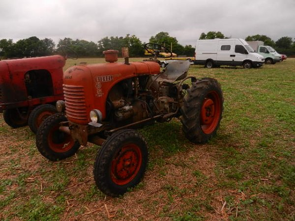 rassemblement de vieux tracteurs   CHAUSSIN ' (39)
