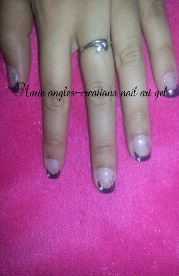 ongles noir
