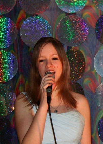 Chanteuse  Vernon