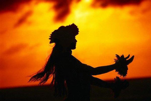 """"""" Le femme est le rayon de la lumière divine."""" Djalâl ad-Dîn Rûmî (1207-1273)"""