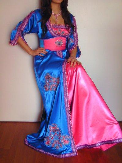 Caftan bleu et rose