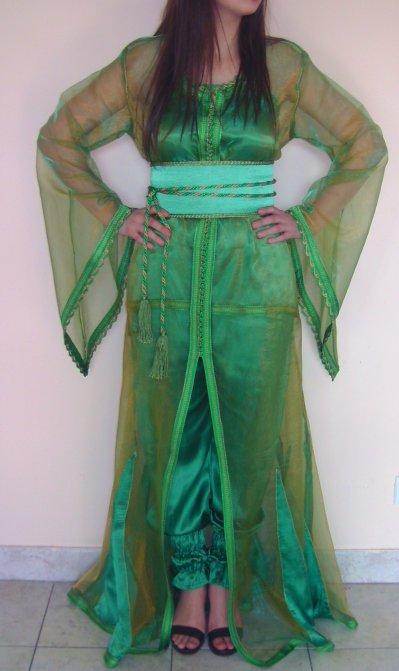 Caftan en organza vert avec tunique et pantalon