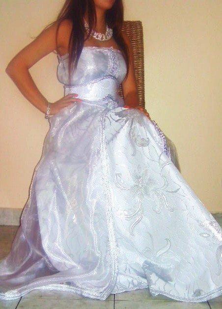 Robe bustier brocart et organza blanche et argenté pour fiancée ou mariée