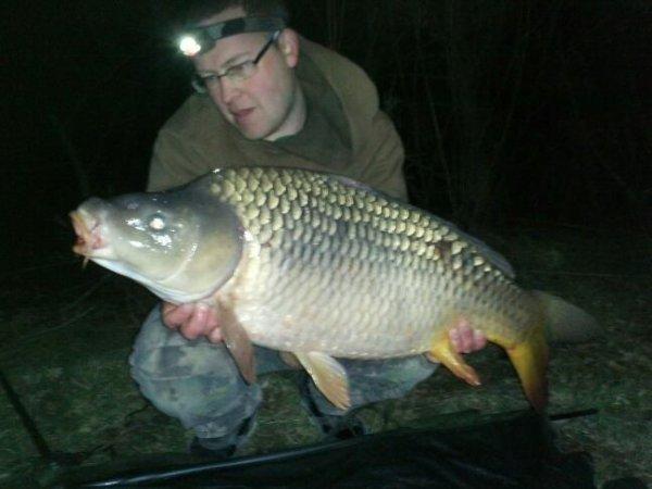 Pêche au lac parloirs avc mn oncle et un débutant à la carpe