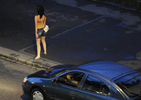 %) Une ville allemande instaure un parcmètre pour prostituées :-#