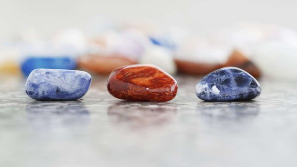 **Les pierres précieuses associées à chaque signe astrologique**