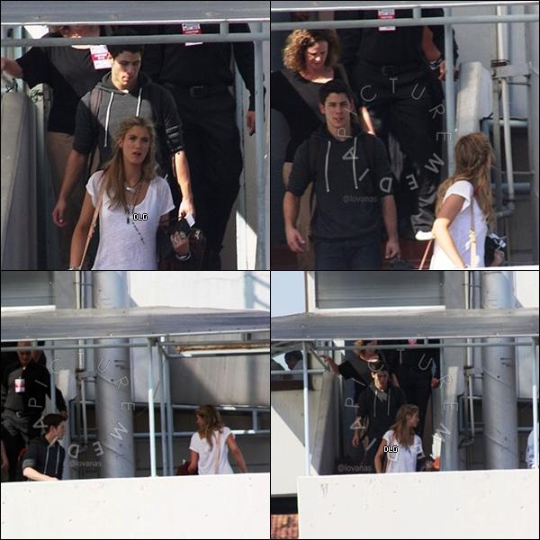 Le 20 mai Delta a été vue sortant du concert de Kylie Minogue avec son amie Perez Hilton!  TOP ou FLOP ?