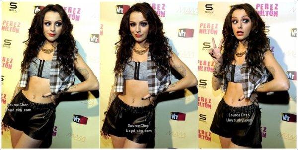 Photo -  Cher nous offre la pochette officielle du single '' Want U Back '' pour l'Amérique.