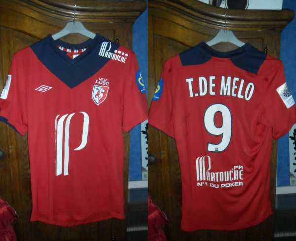Le Maillot Tulio de Melo a Lille 2-0 Ac Ajaccio 06.10.2012 En Ligue 1