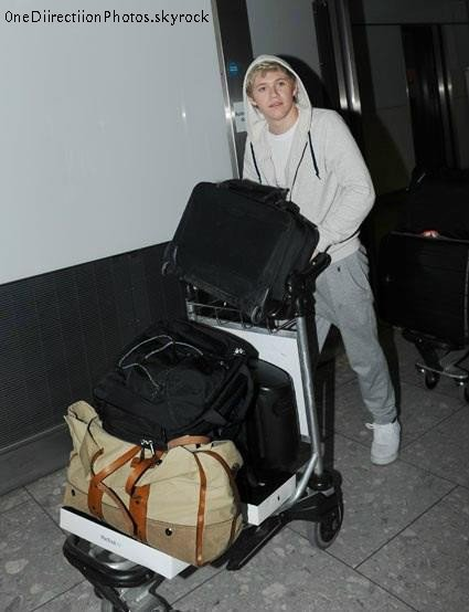 15/05 - Aéroport Heathrow._♥