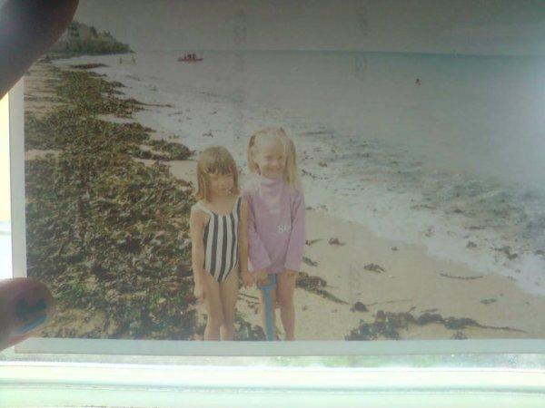 Moi et ma Couz Juliie Quand on était plus Petite . ♥