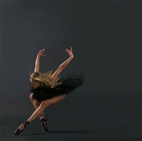 La vie est un ballet ; on ne le danse qu'une fois.