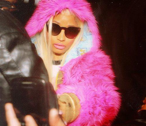 Nicki Minaj (l)