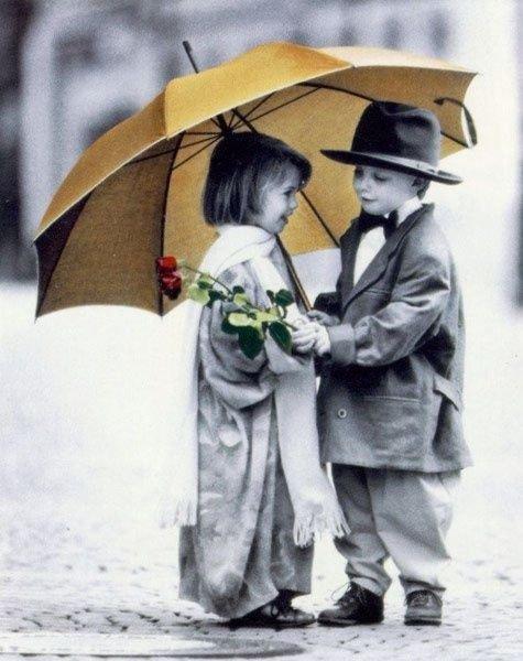 """""""_ J'suis pas la pour trouver l'amour , y'a longtemps que j'y crois plus .."""""""