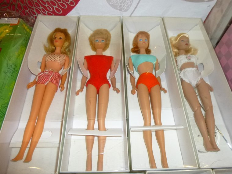Suite fashion dolls
